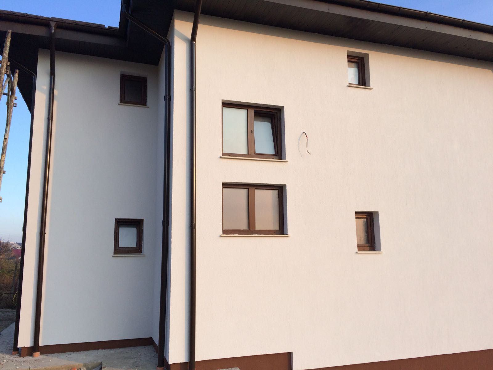 Locuință unifamilială subsol, parter și etaj, Rediu